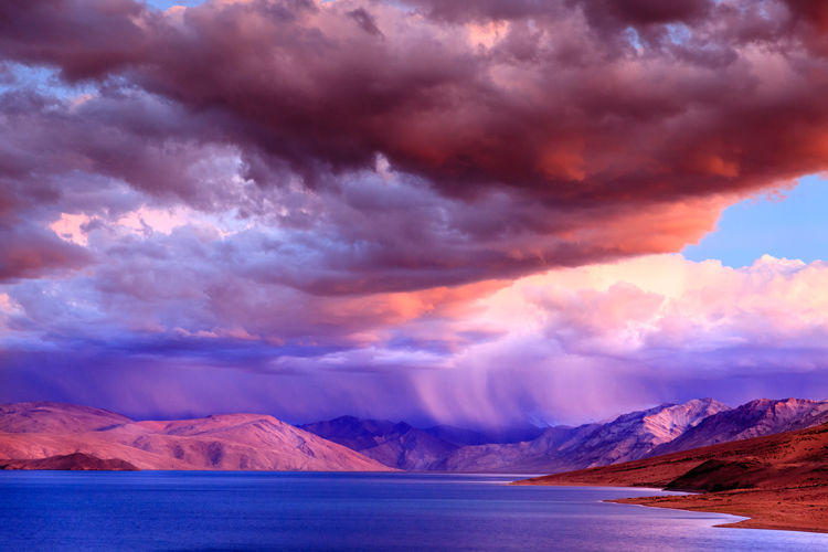 Five Photographers on Shooting Out-of-this-World Cloud Photos — Capture Whole Landscapes
