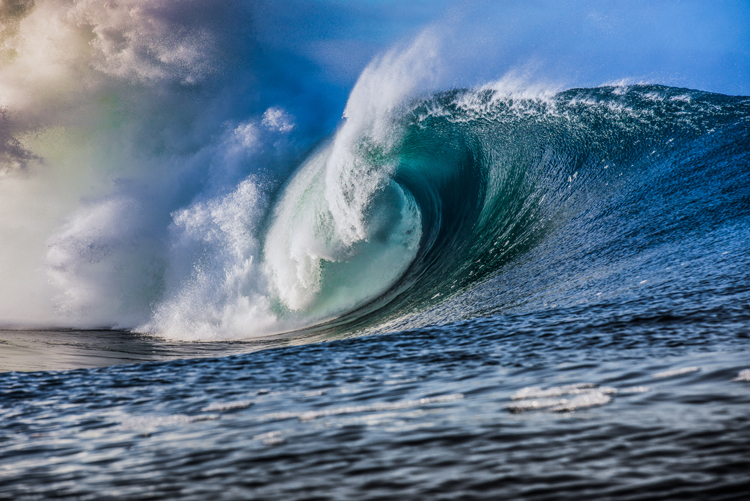 Tips on Photographing Waves from Land and in Water — Take Your Time