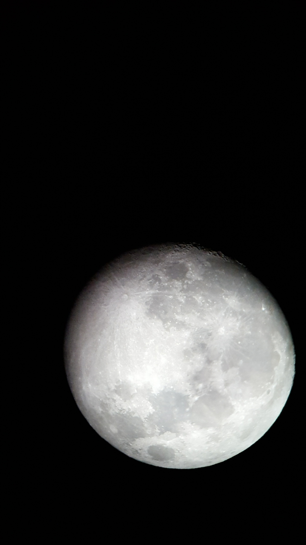 Tips for Capturing Phenomenal Pictures of the Moon — Get Creative with Telescopes