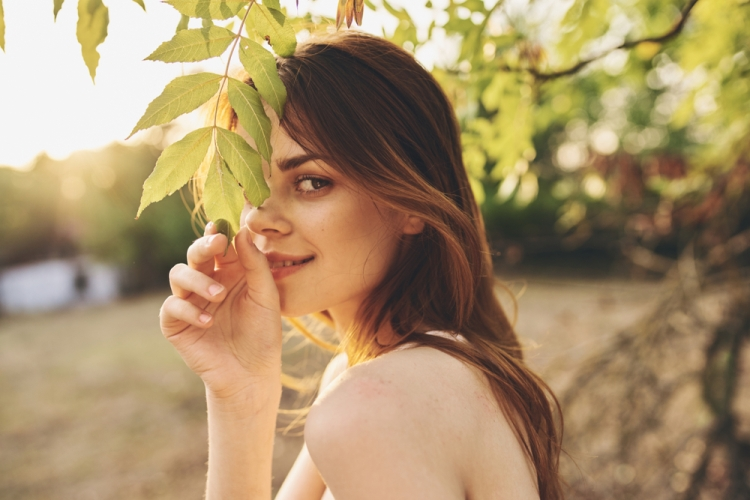 Beginners Guide to Earning Money in Stock Photography — Girl in Leaves