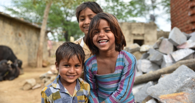 Beginners Guide to Earning Money in Stock Photography — Children Laughing in India