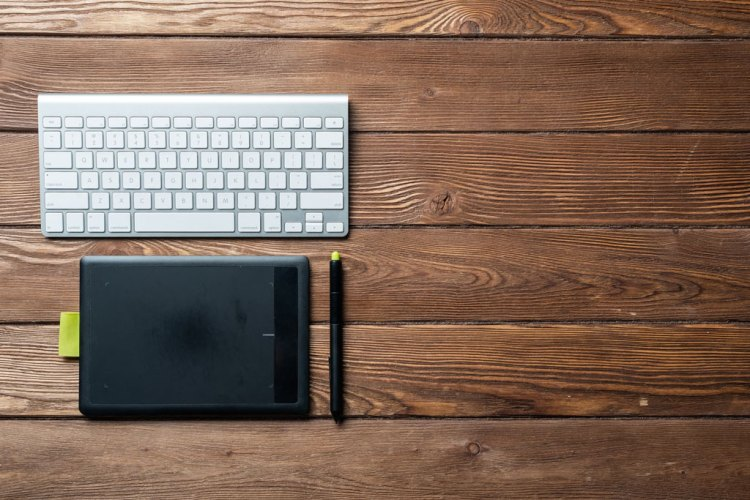 In the Bag: A Freelance Designer's List of Essential Gear — Drawing Tablet