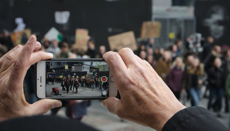 Designing for Change: The Role of Protest Art in Social Movements — Social Media Changing the Scope of Awareness
